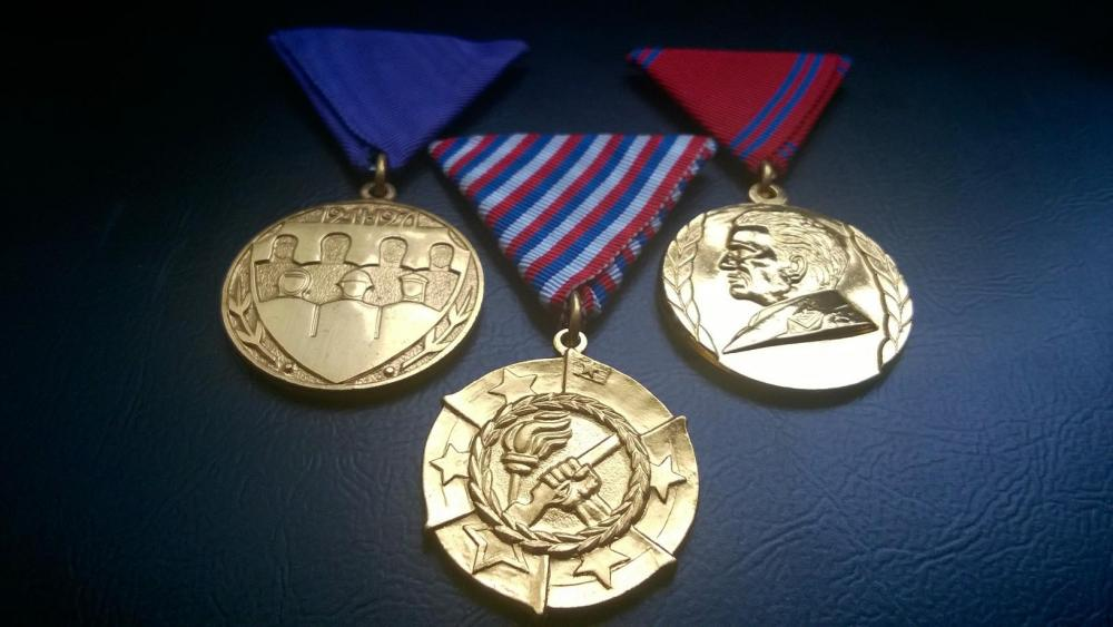 Medalje.thumb.jpg.9bf3440090e4a856dfa38d77f2ee9e17.jpg