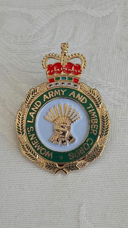UK-Women's Land Army & Women's Timber Corps Veteran Badge-O-P10.JPG