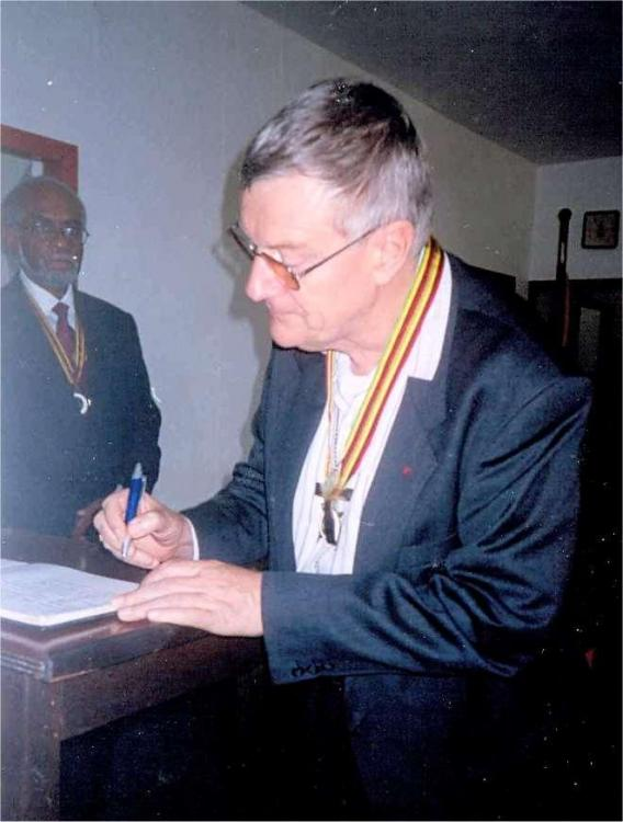 Vanuatu Badge of Honour to Mgr Calvet Bishop Noumea 2007 b.jpg