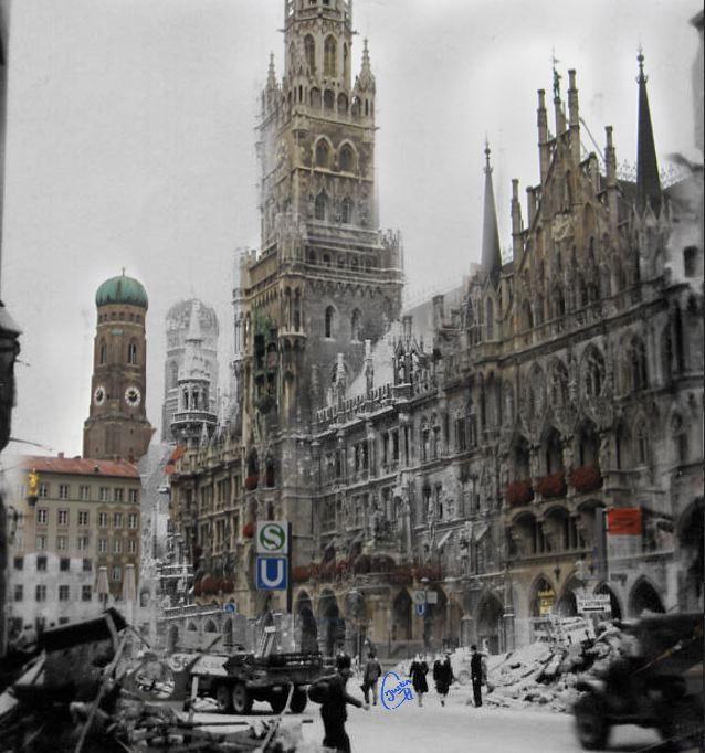 marienplatz rathaus War with present day photomerge.jpg