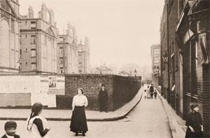 King's Block last building on the left taken 1912.jpg