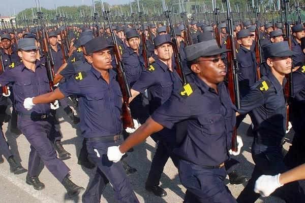 desfile-militar-ensayo-marineros-raul-pupo.jpg
