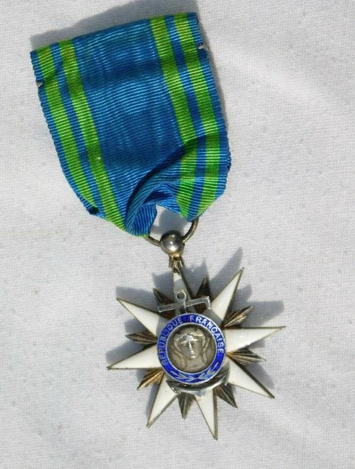 Croix de Chevalier du Merite Maritime.jpg