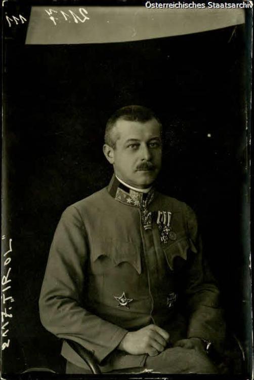 Oberst Albay Gunze Kuk ordusu XIV KO Kur Bşk. Galiçya.jpg