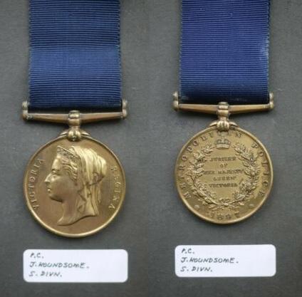 Houndsome Medal.jpg