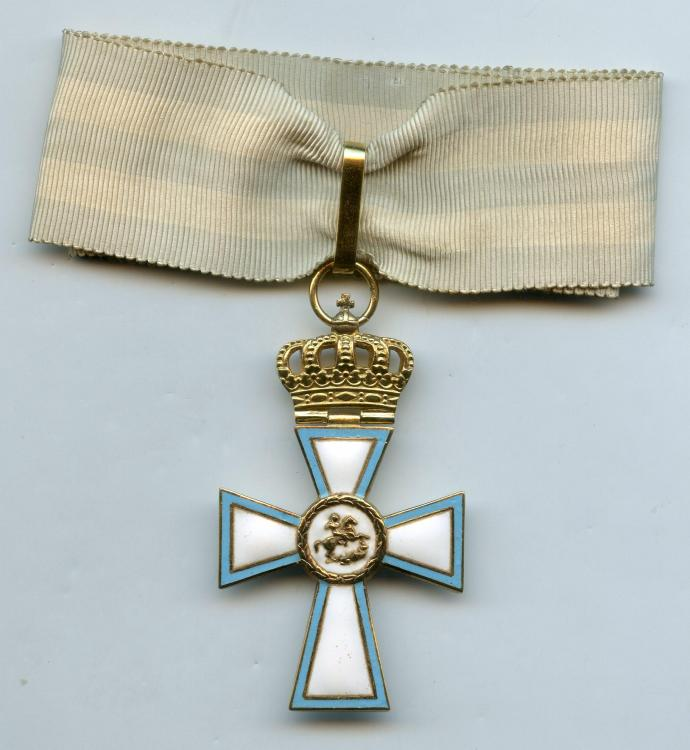Greece Cross of Valour Commander Cross WWII obverse.jpg
