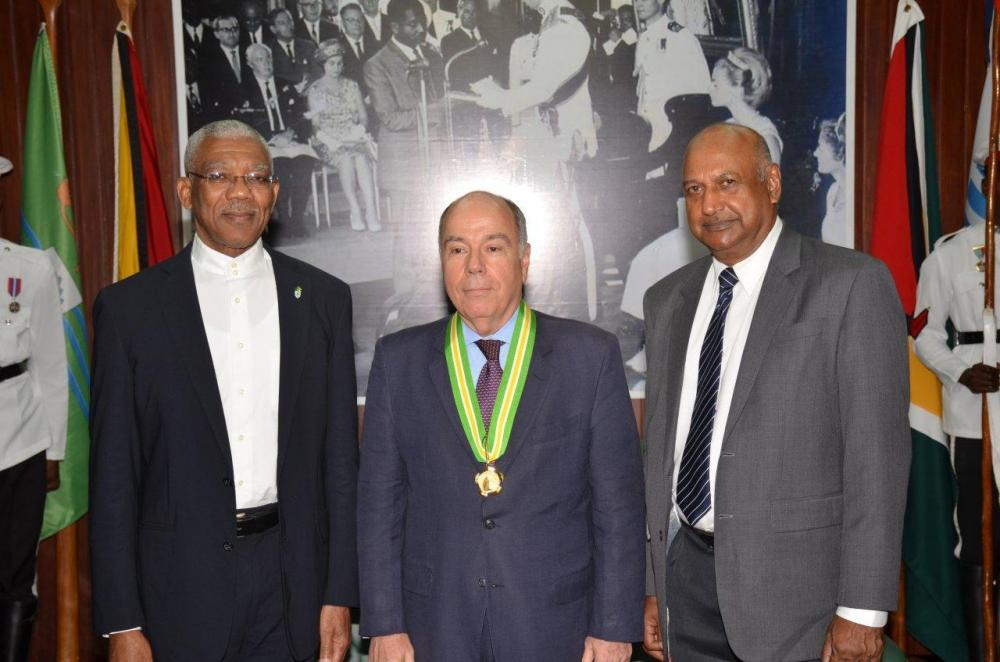 Guyana Order of Roraima awarded to Mauro Luiz Iecker Veira Brazil Minister External Affair by President David Granger on 2 March 2016.jpg