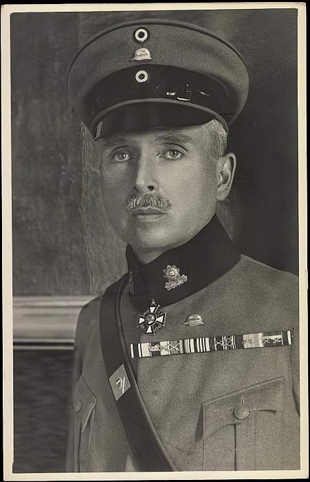 German Photographer - Ak Herzog Carl Eduard von Sachsen Coburg Gotha Uniform Schirmmtze  - (MeisterDrucke-95716).jpg