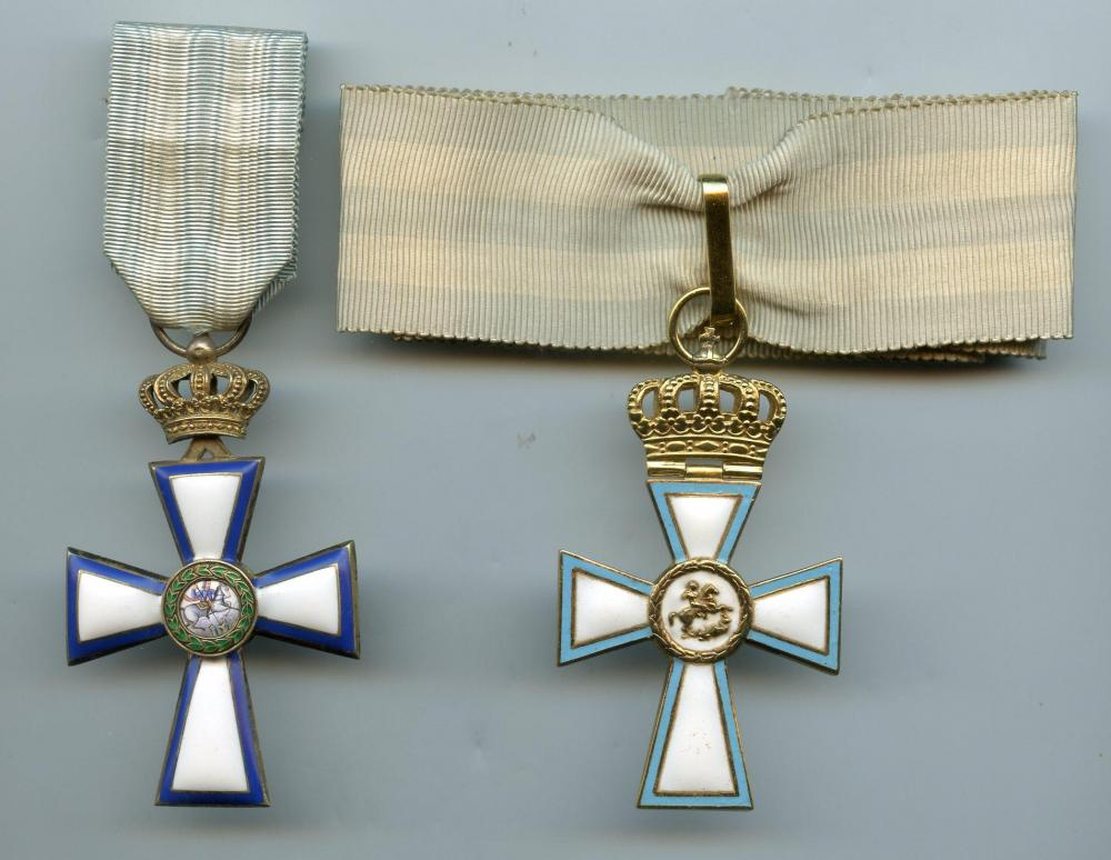 Greece Cross of Valour Commander Cross WWI & WWII.jpg