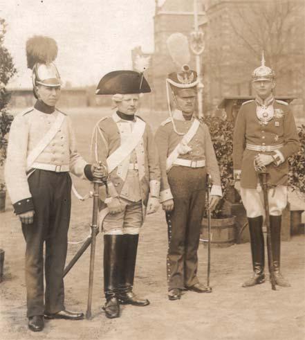 uniformhistorie.jpg