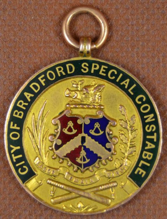 Bradford Obv gold ex Trevor Finbow close.jpg