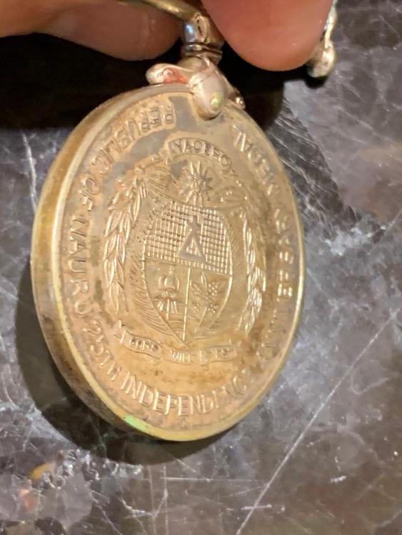 Nauru Medal for 25 Years Independence 1993 side.jpeg