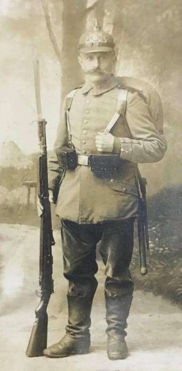 Bay Soldat, Pickelhaubve, Note Tornister straps.jpg