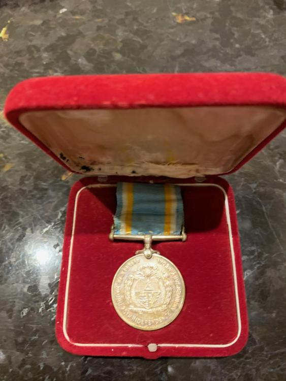 Nauru 25th Anniversary Independence Medal in its case 2.jpeg
