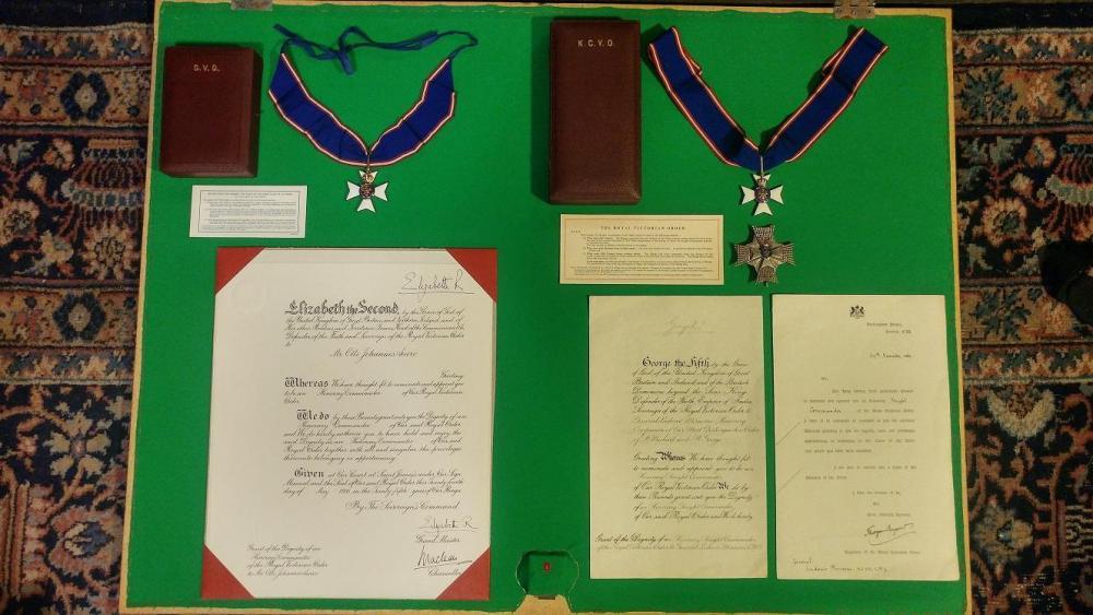 Royal Victorian orders KCVO CVO muokattu.jpg