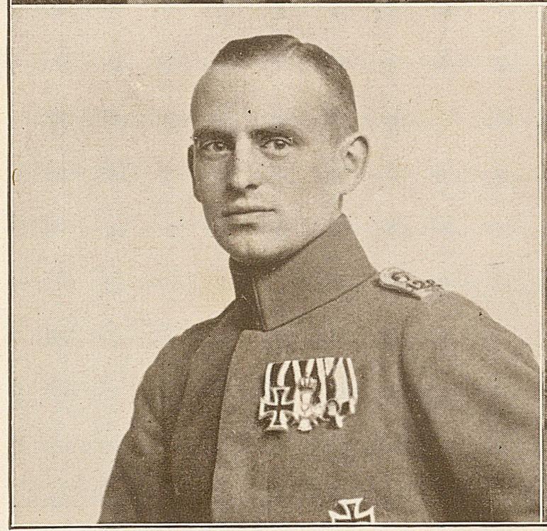Lt. Magnus, Komp.Führer 11. Infanterie-Regiment Nr. 128 Band 1 00000248.jpg
