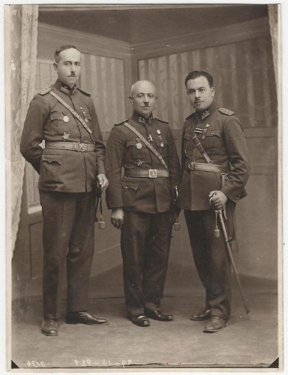 İstiklal, Liyakat ve Çanakkale madalyalı askerler,.jpg