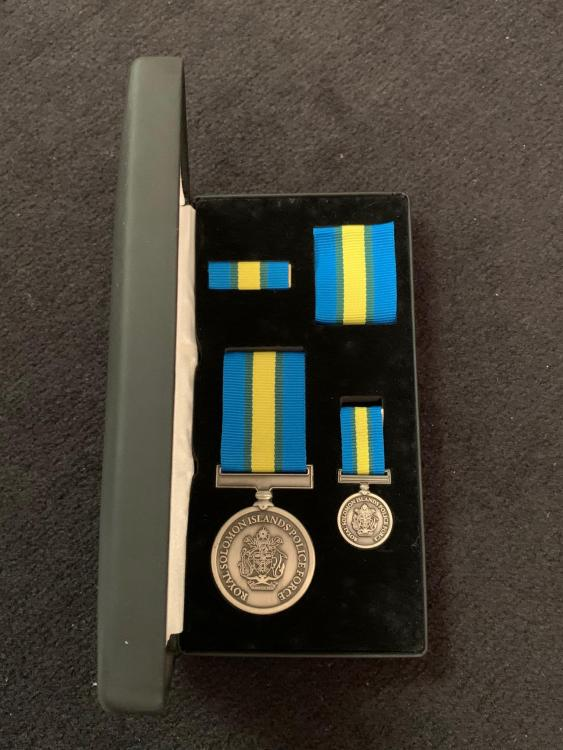 Solomon Isl Royal Solomon Islands Police Force International Law Enforcement Cooperation Medal inside its case 1.JPG