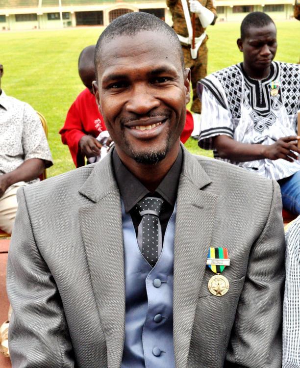 Burkina Faso Ordre du Mérite de la Jeunesse et des Sport à Sylvai-Zingué.jpg