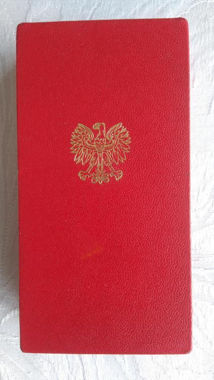 Poland-Order of the Cross of Grunwald 3rd Class(1)-Box.JPG