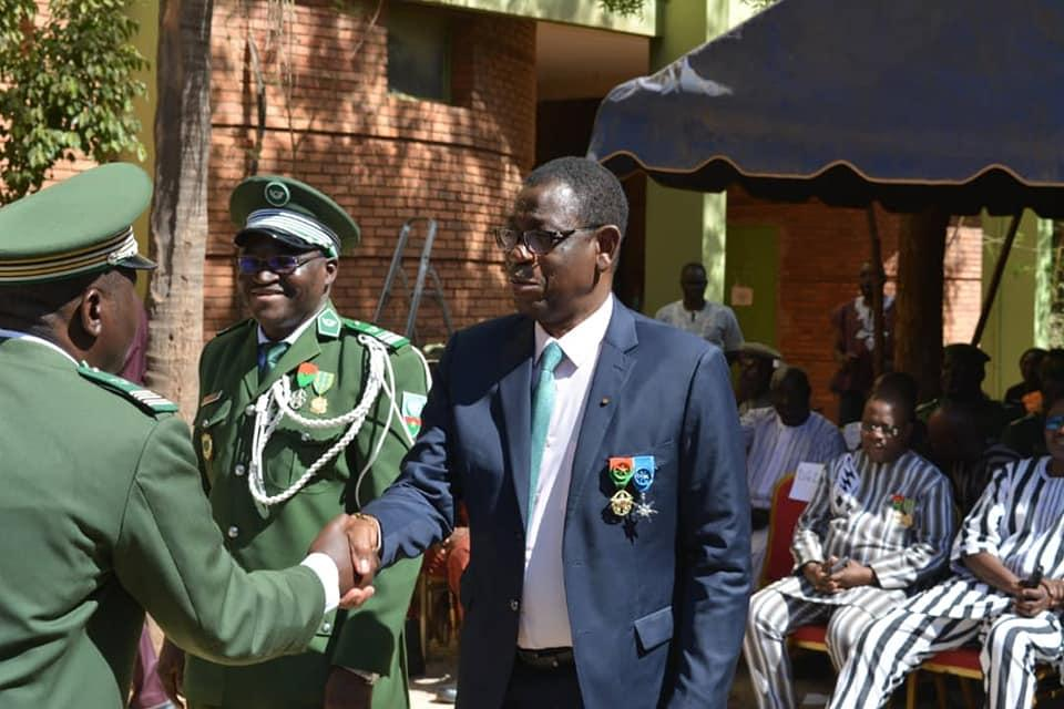 Burkina Faso Medaille d'Honneur des Eaux et Foret Decernee le 25 Dec2019.jpg