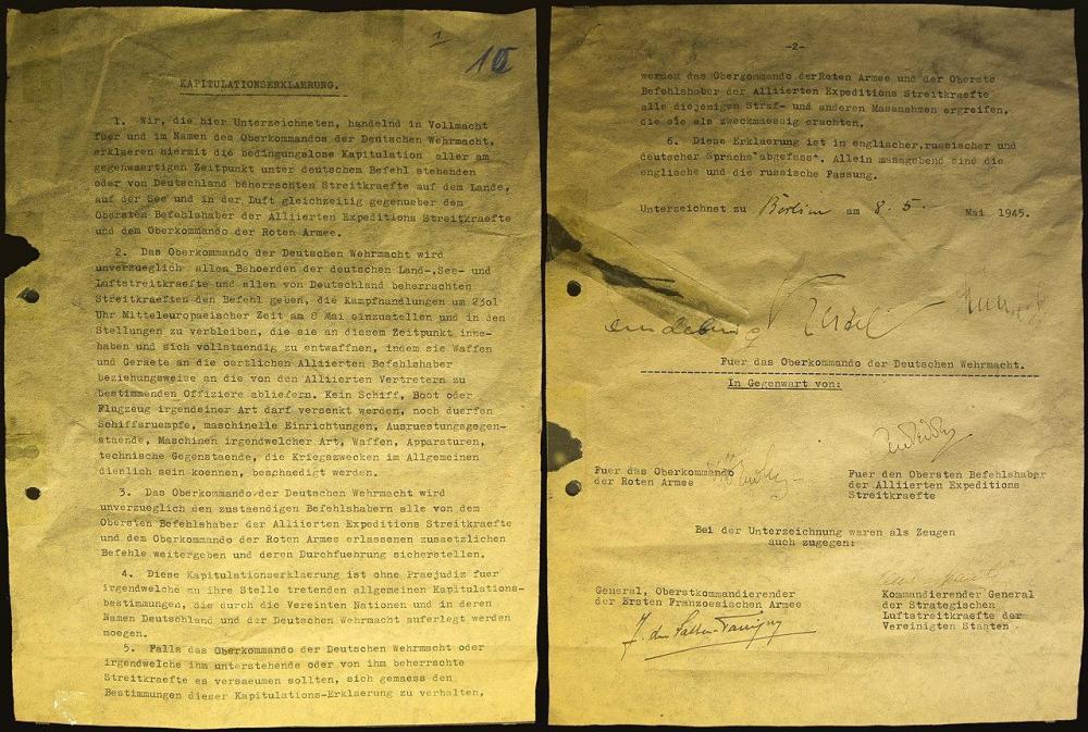 1684686355_1280px-Kapitulationserklaerung_der_Deutschen_Wehrmacht_8_Mai_1945.thumb.jpg.920360429ea9d54878d89f9c299563b2.jpg