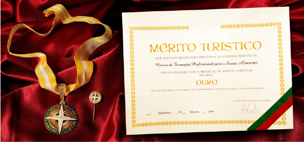 Portugal Medal Merito Touristico Category Gold.png