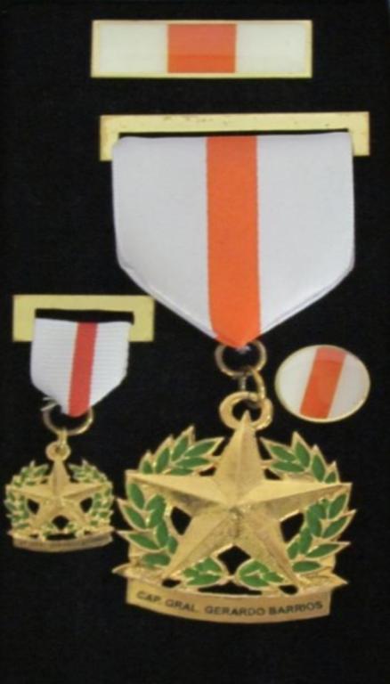 El Salvador Medal Capitan General Gerardo Barrios.jpg.png