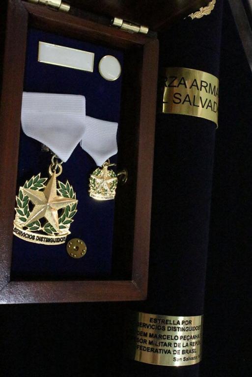 El Salvador Distinguished Service Medal.jpg