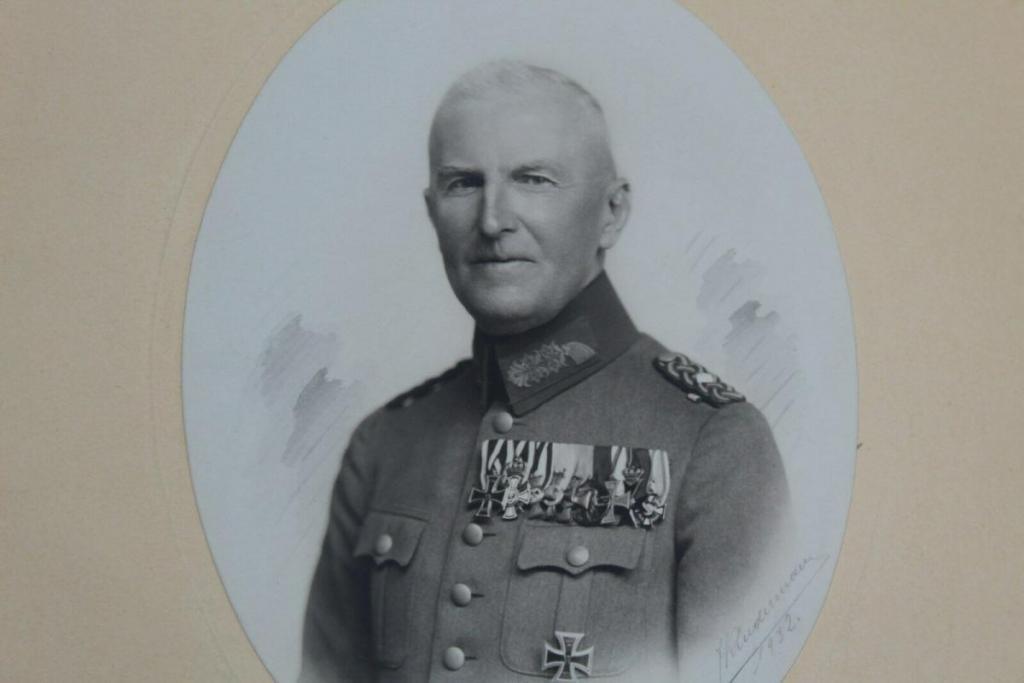 Aigner, Viktor von (133476248903 - poldo678).jpg