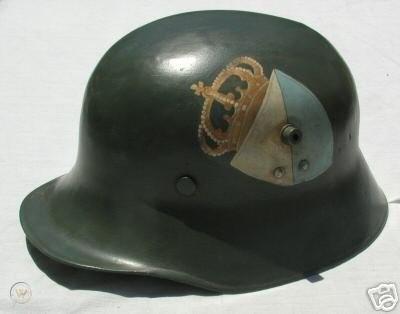 original-bavarian-freikorps-helmet-1919_1_888ed47584207f342d09e1db202f4b8c.jpg.965978bcf47ff4083873eb85aeda5757.jpg