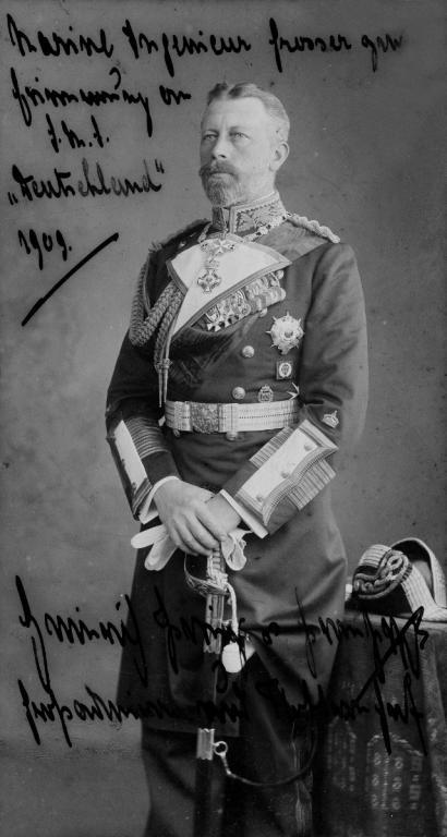 Widmungsporträt_des_Prinzen_Heinrich_von_Preußen_(Kiel_44.825).jpg