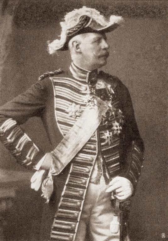 Wedel, Oberstallmeister Graf Portrait zwischen 1899 und 1902 a.jpg