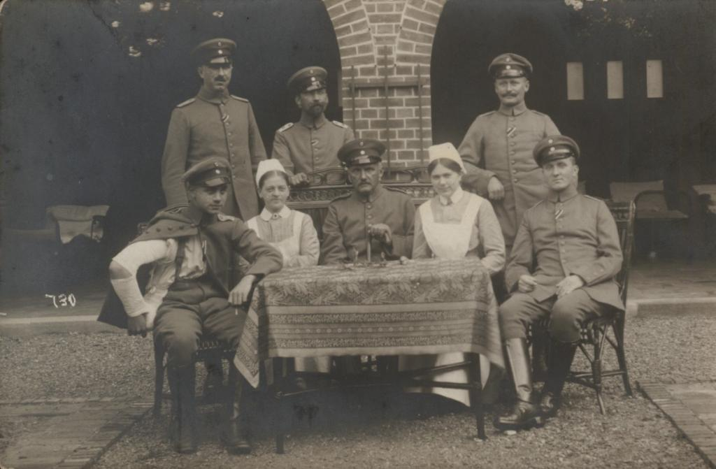 1915-03nach - 1. WK - rechts hinten Emil Papendick.jpg