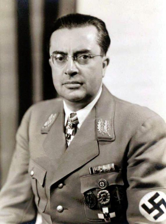 Otto Hellmuth, Gauleiter Mainfranken II.jpg