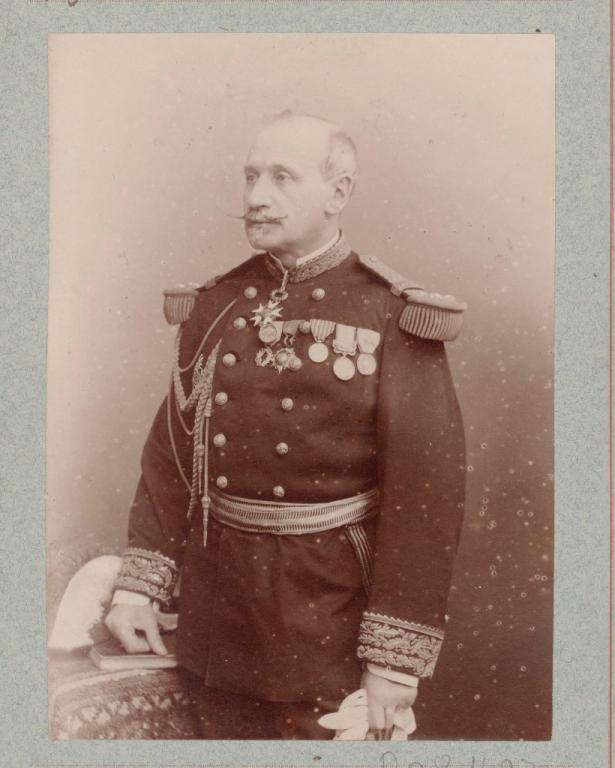 Général Pitié i.e. Pittié. Secrétaire général de la présidence de la République 10001.png