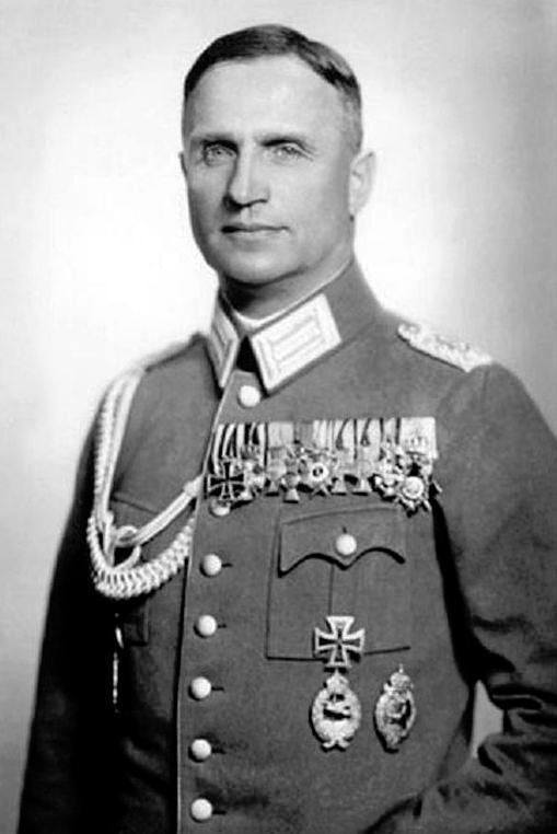 Helmuth Wilberg als Reichswehroffizier.jpg