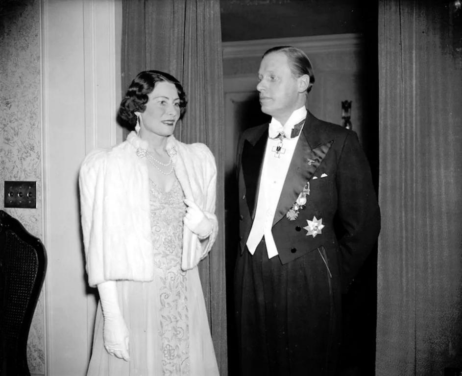 Dec. 14, 1939, as the counselor of the German Embassy Hans Thomsen, right, and his wife leave the German Embassy for a diplomatic reception at the White House.jpg