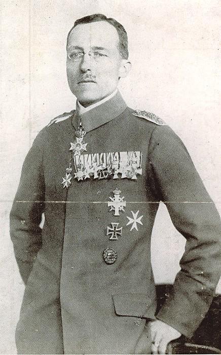 Oberst  Bernhard von Süßmilch 01.jpg
