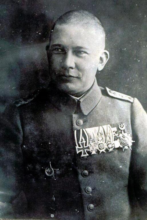 Robert Holtzmann, Führer der Flieger-Abteilung 16 (FA 16).jpg