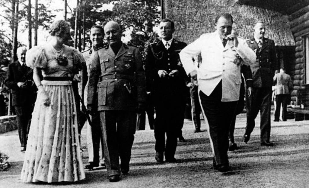 Göring mit Mussolini, im Hintergrung Gritzbach.png