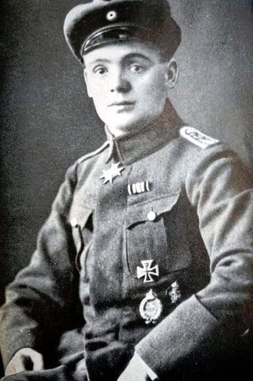 Julius Buckler (1918).jpg