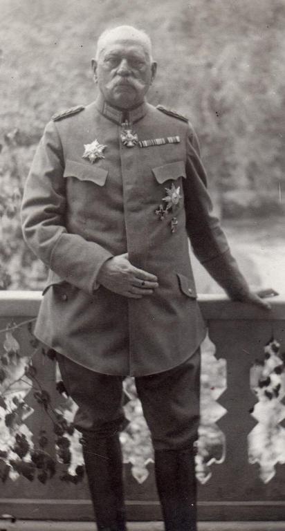Schjerning in Spa 1918.jpg