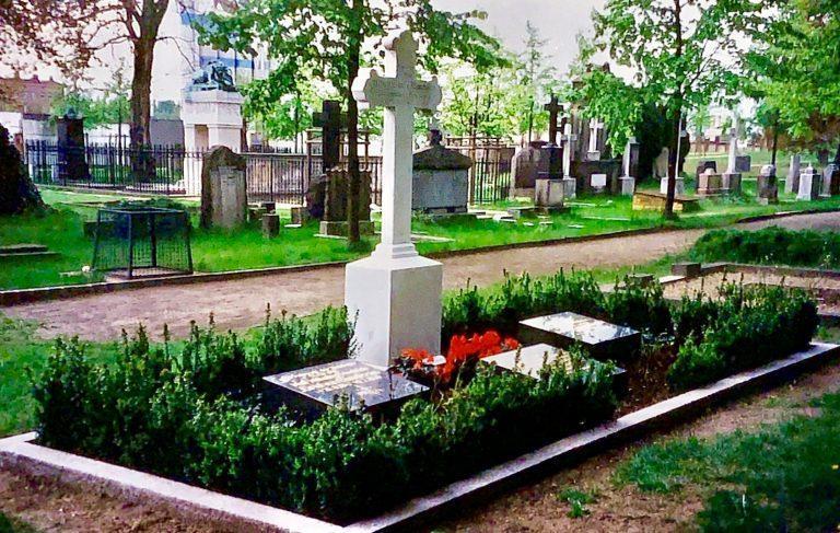 Friedrich Graf von Baudissin, Invalidenfriedhof.jpg