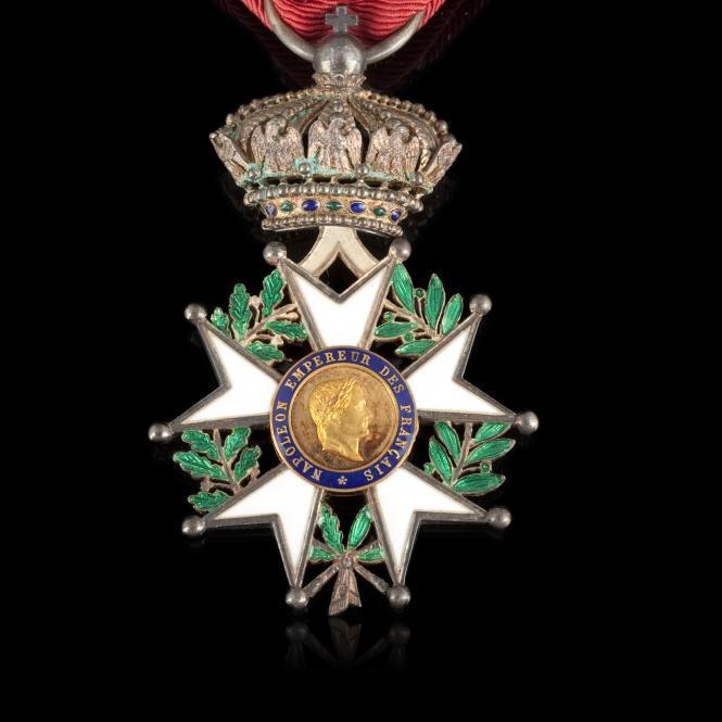 665x665_legion_honneur_cent_gardes_3N.jpg