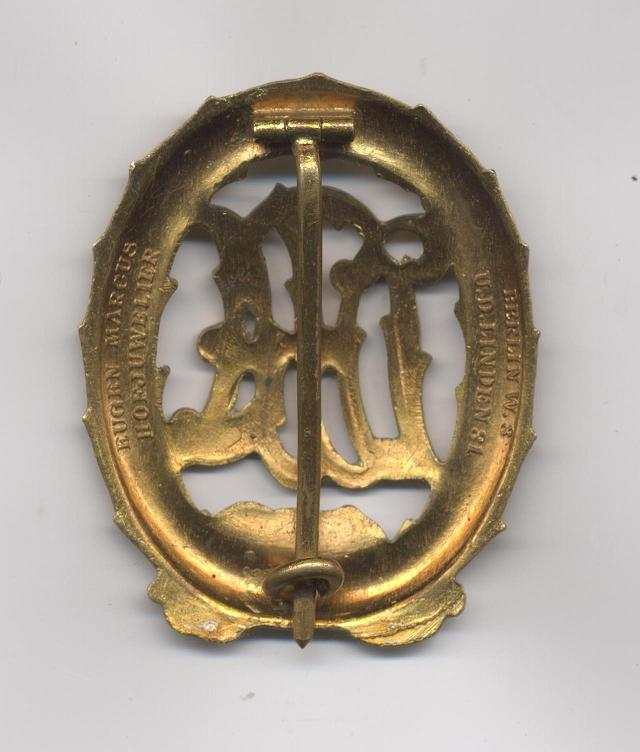 D.R.A._Sports_Badge_c.1933_in_Gold_Rev.jpg