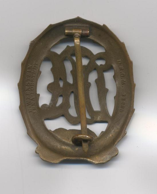 D.R.A._Sports_Badge_c.1933_in_Bronze_Rev.jpg